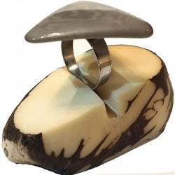 Bague tranche de Tagua en triangle Teintée en Gris