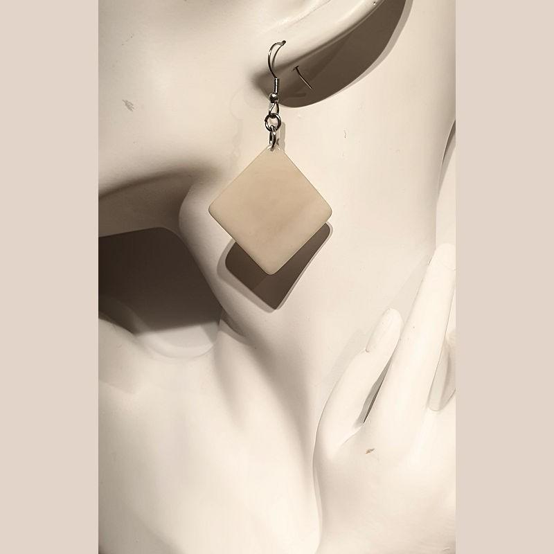 Boucles d'oreilles carrées en ivoire végétal couleur naturel